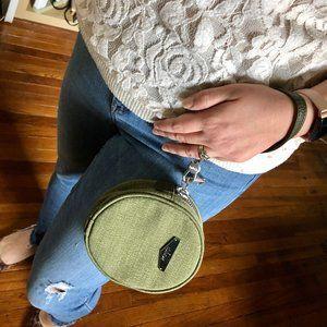 Kipling Round Green Wristlet Clutch with Zip - EUC